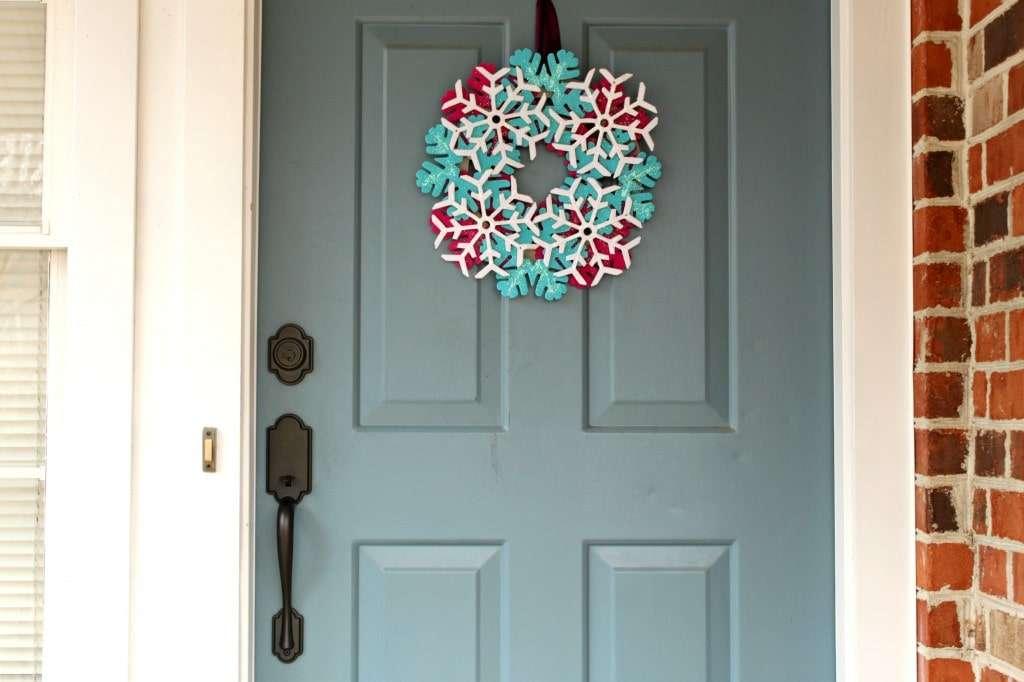 glitter snowflake wreath1