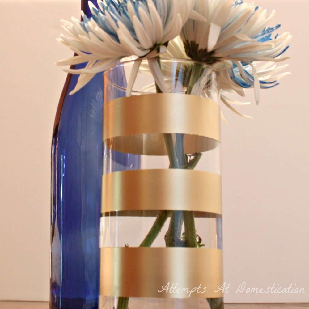 spray-painted-gold-striped-vase
