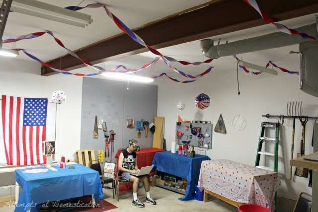 America party decorations - garage