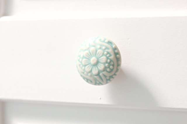 blue-floral-door-knob