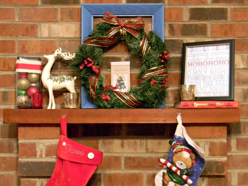 Christmas mantel 2012 (2)