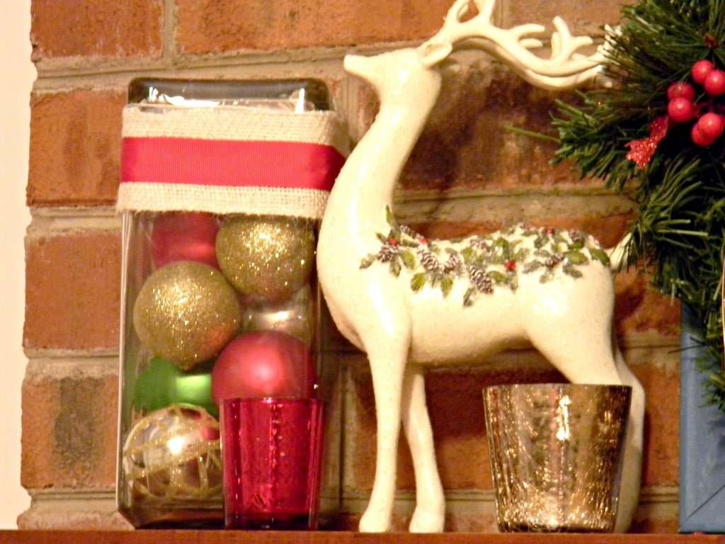 Christmas mantel 2012 (3)