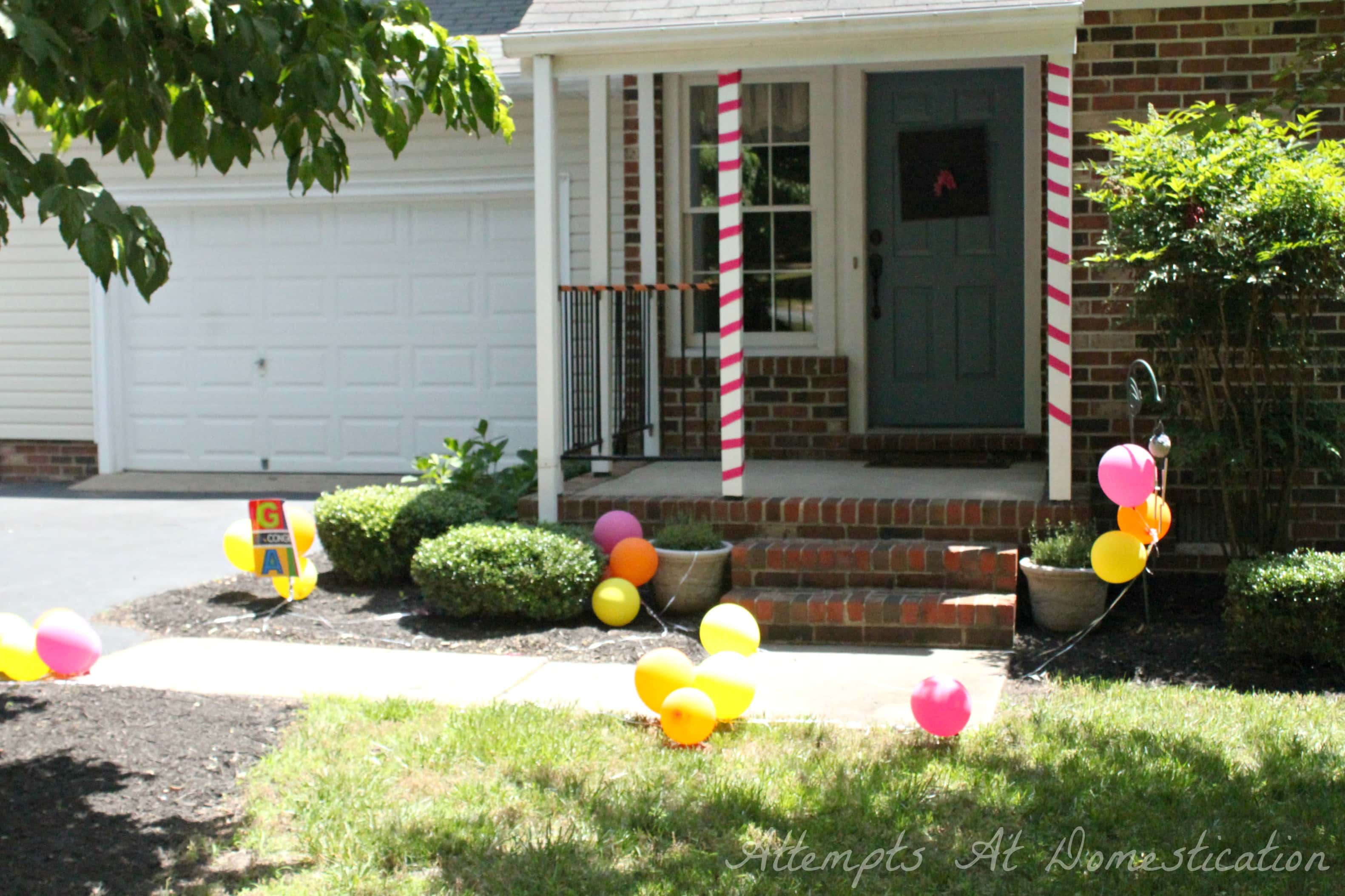 Top 28 front yard decorations front yard party decor for Front yard decor