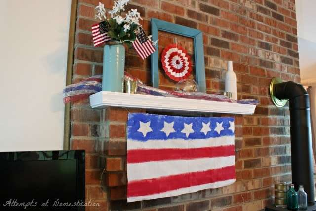 Mantle decorated for the 4th of July