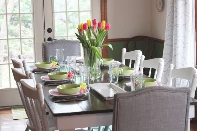 Everything else comes from shopping my home decor and using things we have on hand. Here are two ex&les of spring/Passover tables that I kept simple. : spring table setting - pezcame.com