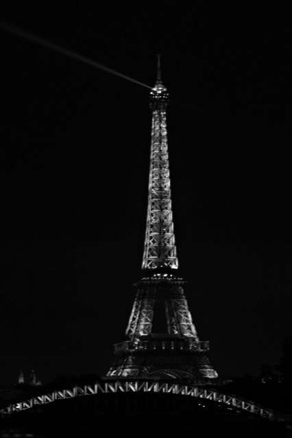 BW Paris - Eiffel Tower night