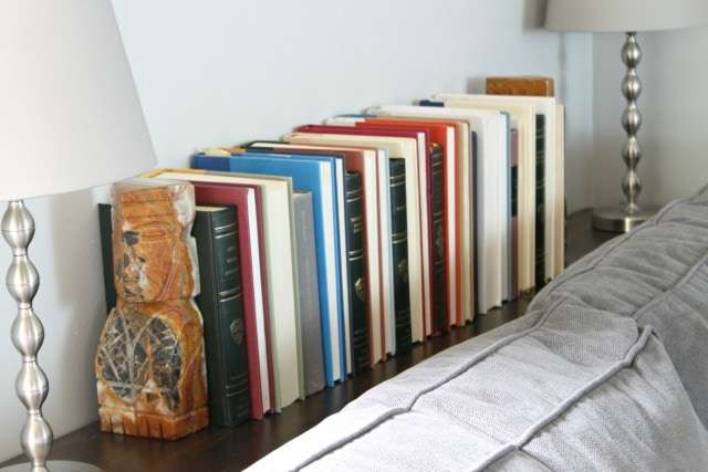 living room book display